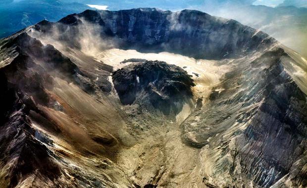 Vista Aérea del Crater Glacier en el año 2000. FUENTE: Schillint et al., 2004.